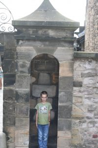 Edinburgh castle soldier