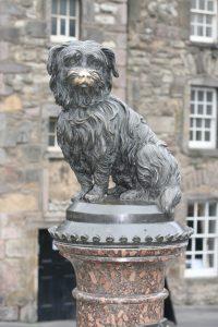 Greyfriars bobby statue