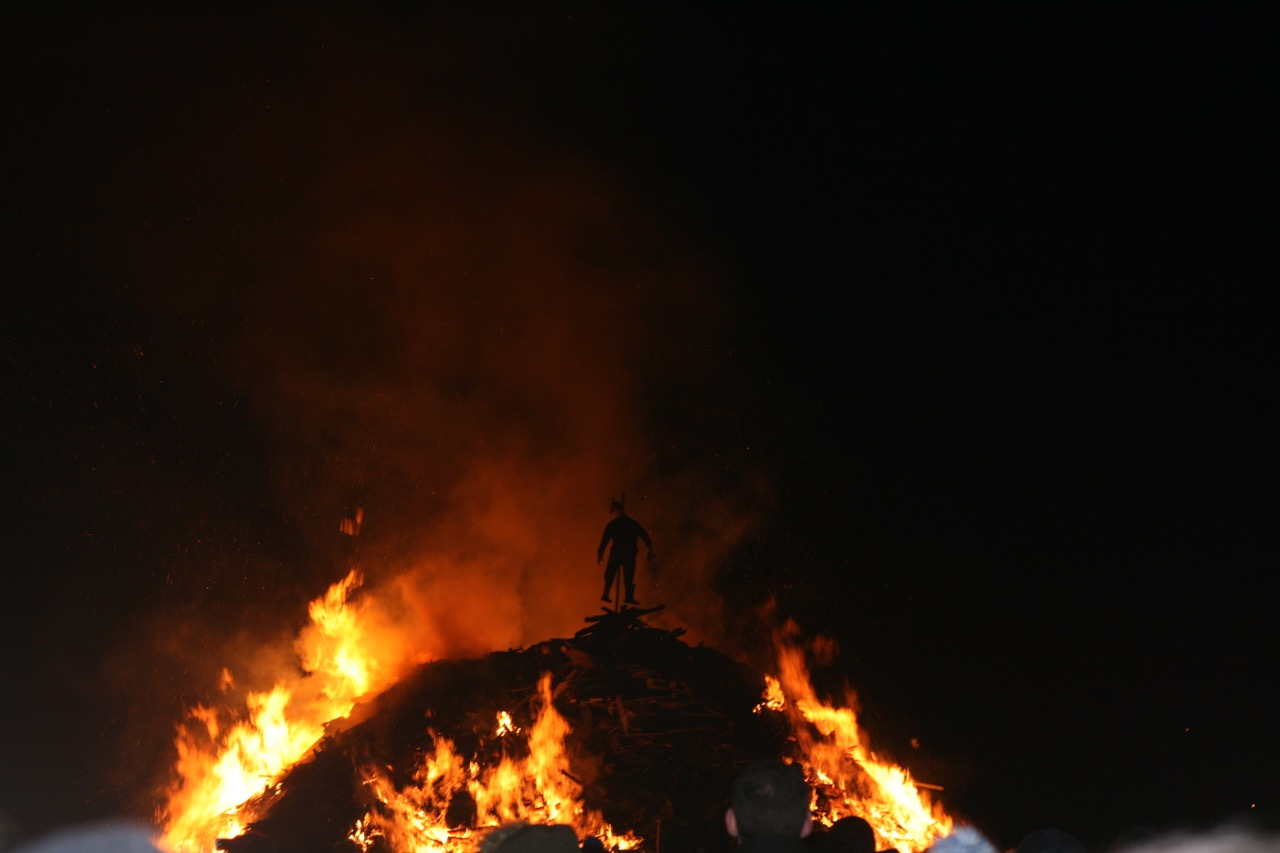 The bonfire with Guy Fawkes on